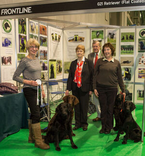 Discover Dogs Best Booth : Retriever Group awarded to Flat coated Retriever